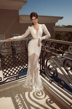Oved Cohen 2014 bridal dresses collection tend to explore to tell you concerning spring fashion trends. we tend to like all of them as a result of of the contemporary and nice spring colors applied...