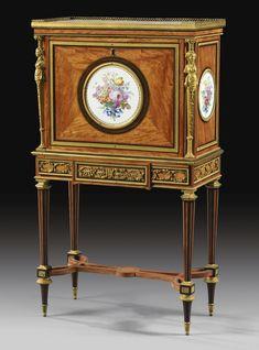 Secrétaire à abattant en placage d'espénille et amarante, porcelaine et monture de bronze doré, attribué à Adam Weisweiler probablement sous la direction de Martin-Eloi Lignereux, vers 1800