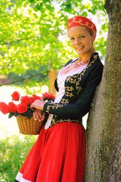 Magyar Rózsa Hungarian Women, Folk Fashion, Womens Fashion, Female Girl, Folk Costume, Traditional Dresses, Hungary, 1, Culture