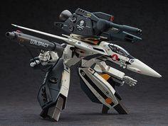 Hasegawa Model Kit: 1/72 VF-1S / A Strike / Super Gerwalk Valkyrie [MACROSS ~ Do You Remember Love ~] (Boxart & Official Pic)