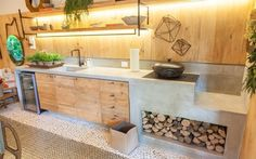 An outdoor kitchen can be an addition to your home and backyard that can completely change your style of living and entertaining. Kitchen Interior, Concrete Kitchen, Dream Kitchen, Old Kitchen, Kitchen Decor, Kitchen Dining, Home Kitchens, Outdoor Kitchen, Kitchen Design