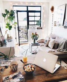 home decor apartment Awesome Creative Collage Apartment Decoration Ideas Small Living Room Design, Small Living Rooms, Living Room Designs, Tiny Living, Modern Living, Modern Family, Minimalist Living, Simple Living, Apartment Decoration