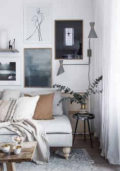 my scandinavian home: 7 Gallery Walls For Every Room - And A Fail-Safe Way To Ha. my scandinavian home: 7 Gallery Walls For Every Room – And A Fail-Safe Way To Ha… my scandinavian home: 7 Gallery Walls For Every Room – And A Fail-Safe Way To Hang Art! Small Living Rooms, Home Living, Living Room Designs, Living Room Decor, Living Room Scandinavian, Scandinavian Design, Teen Room Makeover, Ideas Hogar, Aesthetic Bedroom