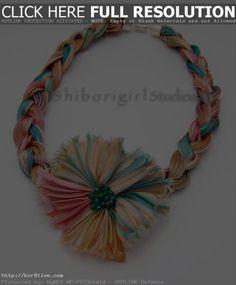 Handmade Scarves, Handmade Jewelry, Crochet Chain Scarf, Scarf Jewelry, Jewellery, Baby Cartoon, Baby Socks, Silk Scarves, Crochet Patterns