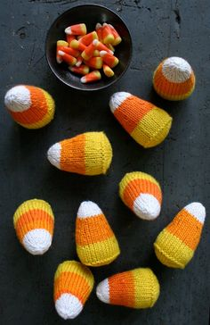 "How to Make Knitted Candy Corns from Purl Bee (yes, because I ""really"" need to know how to knit candy corn) Loom Knitting, Free Knitting, Knitting Needles, Yarn Crafts, Sewing Crafts, Kid Crafts, Craft Patterns, Crochet Patterns, Candy Corn Crafts"