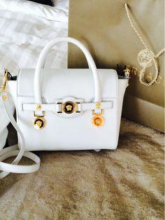 Versace Fashion, Jeweled Shoes, Handbags On Sale, Purses And Handbags, Versace  Purses 3a2d704669