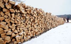 Baby, it's cold outside. Learn how to chop wood like a pro lumberjack -- without wrecking your back.