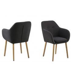 Asseyez-vous confortablement dans ce fauteuil en tissu avec des pieds en bois, le bois vous garantira la stabilité et le confort dont vous cherchez, il orner...