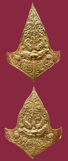 Indonesia ~ Java | Pair of upper armbands; gold | 9th - 10th century ||| {GPA}