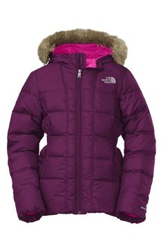 Love this water resistant down jacket by North Face http://rstyle.me/n/p26mhnyg6