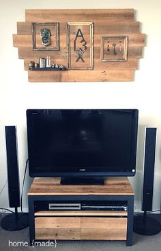 Reclaimed lumber rustic living room - Home Made