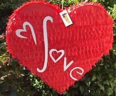 Rojo AMOR corazón piñata piñata de día de San por Theperfectpinata Gender Reveal Pinata, Red Love Heart, Paper Hearts, Boyfriend Gifts, Party Time, Diy And Crafts, Valentines Day, Etsy Shop, Birthday