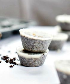 How to Make Coconut Coffee Skin Scrub Cubes (For Cellulite, Stretch Marks + Puffy Faces):