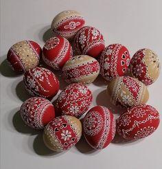 madeirové kraslice | Emiska-Moje malé dielka Egg Shell Art, Egg Shells, Easter Eggs, Album, Manualidades, Card Book