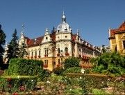 Discover the world through photos. Romania, To Go, Louvre, Mansions, Country, House Styles, City, World, Building
