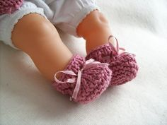 Ravelry: Corolle Doll Stay-on Booties pattern by Charlotte Bouchet FOR BITTY BABY**