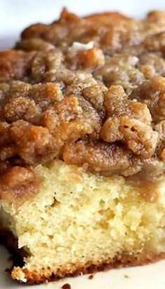 not lowcarb but I want to use it for ideas to adapt recipes to low carb Good Morning Crumb Cake - This yummy crumb cake is perfect for a breakfast crowd or holiday brunch! Mini Desserts, Just Desserts, Delicious Desserts, Yummy Food, Brunch Recipes, Sweet Recipes, Cake Recipes, Dessert Recipes, Snack Recipes
