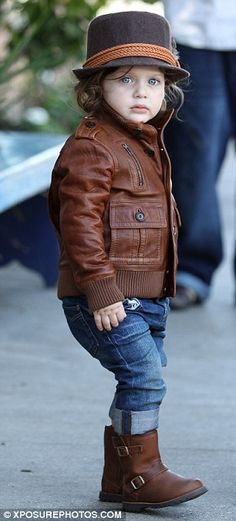 Rachel Zoe's son, Skylar, is one budding stylish little tot! Loving the look... fab jacket, boots and hat. AWWW!!