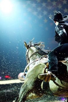 Gorgeous photo.. I want to have a barrel pic of me like this.