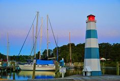 Yankee Point Light <> Located in Lancaster Virginia, the Yankee Point Marina is a peaceful point from which to launch or recover your boat.