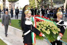 Celebrazione primo maggio - anno 2013 La cerimonia di commemorazione ha inizio: Napolitano al seguito dei corrazzieri