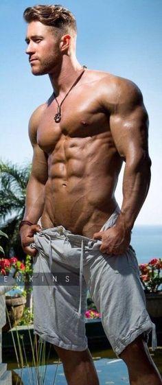 Nude male muscle hunk