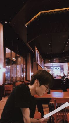 looks like a boyfriend material😍 Korean Boys Ulzzang, Ulzzang Boy, Daejeon, Couple Silhouette, Cute Couple Art, Boy Idols, Kpop Couples, Boyfriend Material, Jaehyun