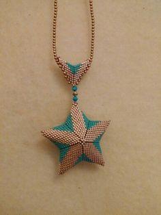 Seed Bead Jewelry, Beaded Jewelry, Beaded Necklace, Jewellery, Beaded Christmas Decorations, Beaded Ornaments, Peyote Patterns, Beading Patterns, Beaded Starfish