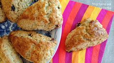 Dried Red Cranberry and Oatmeal Scones - Recetas dulces - Muffins Oatmeal Scones, Muffins, Butter, Tea Time, Banana Bread, French Toast, Food And Drink, Breakfast, Desserts