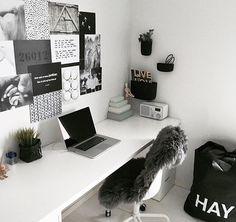 Beautiful home desk ideas for cozy study Bedroom Decor For Teen Girls, Teen Room Decor, Home Decor Bedroom, Study Room Decor, Cute Room Decor, Home Office Design, Home Office Decor, Pinterest Room Decor, Aesthetic Room Decor