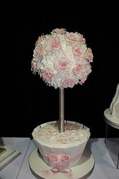 Questa torta è perfetta per una festa in giardino