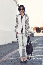 I like this outfit, but I prefer white navy cardi