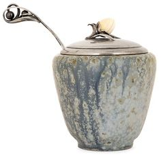 Mearto | Jam - Arne BANG (1901-1983) & LAURITZ BERTH (Orfèvre) A small stoneware jam pot. Silversmith and hallmarks. Tot. Height. 4 7/8 in. - Ceramic height. 3 1/2 in.