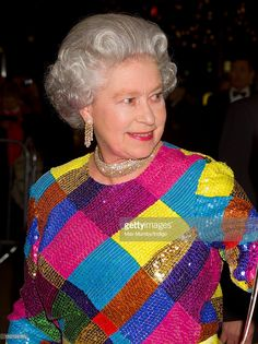 Queen Elizabeth II Wearing The Diamond & Gold Cuff Demi-Parure . At The Royal Variety Performance Hm The Queen, Her Majesty The Queen, Queen B, Elizabeth Philip, Queen Elizabeth Ii, British Monarchy History, Valerie Bertinelli, Queen Of England, Duke And Duchess