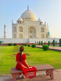 I went to India with zero expectations. I know about the Taj Mahal but not much more. I fully admit to being a fool. Beautiful Places To Travel, Cool Places To Visit, Photography Poses Women, Travel Photography, Face Photography, Taj Mahal India, Mountains In India, Travel Pose, Travel Vlog