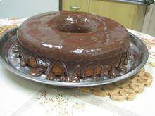 BOLO DE CENOURAS com calda de chocolate