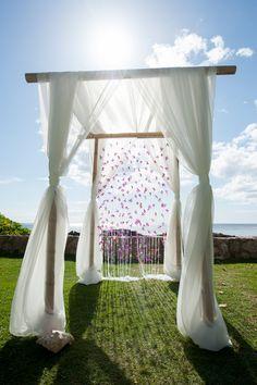 #Wedding #alter #oahu island style .Lovely Lanikuhonua Ceremony { Oahu } - Modern Weddings Hawaii : Bridal Inspiration
