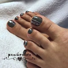 21 Amazing Toe Nail Colors to Choose This Season ❤ Luxurious and Chic Toe Nail Color ❤ Your toe nail colors should always keep up with the season. There is no way we will allow you to stay behind and out of the trend! Pretty Toe Nails, Cute Toe Nails, My Nails, Gel Toe Nails, Pretty Pedicures, Gel Toes, Pretty Toes, Toe Nail Color, Toe Nail Art