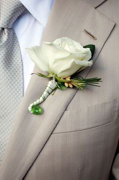 Groom's Boutonniere, Style, Tips || Colin Cowie Weddings