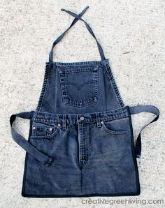 Farm Kid Aprons from Recycled Jeans 2019 Back in April I published a tutorial for how to make an apron from old jeans and it took off like wild fire! It is not only one of The post Farm Kid Aprons from Recycled Jeans 2019 appeared first on Denim Diy. Jean Crafts, Denim Crafts, Artisanats Denim, Distressed Denim, Jean Diy, Jean Apron, Farm Kids, Denim Ideas, Sewing Aprons