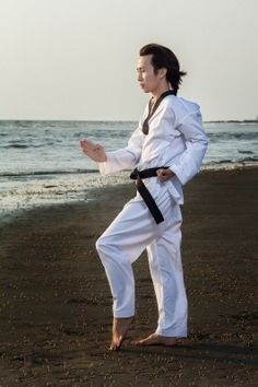 This blog explains the five tenets or codes of conduct that any student of Taekwondo in San Diego need to learn and to adopt them as their own life philosophies. It also discusses the 11 modern commandments of Taekwondo. #TaekwondoSanDiego #SanDiegoMartialArts