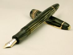 Stunning - VINTAGE MONTBLANC MASTERPIECE 144 GREEN STRIATED FOUNTAIN PEN FROM EARLY 1950's !