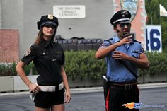 204/221 | Photo du stunt show, Scuola di Polizia situé à Mirabilandia (Italie). Plus d'information sur notre site http://www.e-coasters.com !! Tous les meilleurs Parcs d'Attractions sur un seul site web !! Découvrez également nos vidéos du show à ces adresses : http://youtu.be/DB4UCC9a3J0 & http://youtu.be/4F9wptkq8Uc