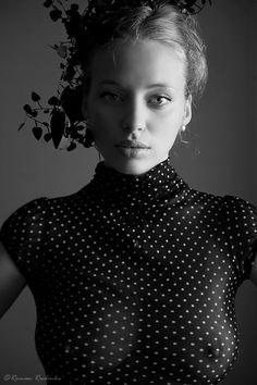 Black and white photography White Photography, Fashion Photography, Foto Portrait, Sheer Beauty, Look Fashion, Ideias Fashion, Beautiful People, Beautiful Women, Beautiful Eyes