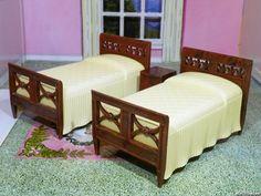 Renwal MATCHING TWIN BEDS Vintage Dollhouse Furniture 1:16 Ideal Marx Tin #Renwal