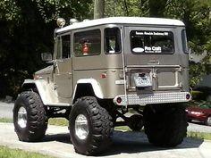"1980 Toyota Land Cruiser ""M acho"" Suv Trucks, Toyota Trucks, Toyota Cars, Cool Trucks, Cool Cars, Toyota Cruiser, Toyota Fj40, Fj Cruiser, Jeep Suv"