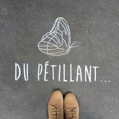 Du pétillant... In the streets of Paris • By Fantine & Simon • #paris #streetart #urbanart #graffiti #stencil #fantinetsimon #photography #love #amour #wild #iloveyou #flowers #paris #butterfly www.fantineetsimo... ©Fantine&Simon