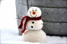Niedlicher Schneemann aus Filz