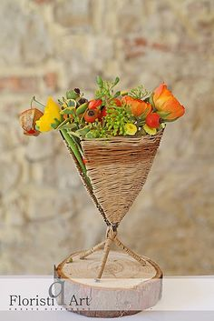 Created at Bloom your Life with Floristiq Art Glass Vase, Planter Pots, Floral Design, Bloom, Create, Artist, Flowers, Rondom, Inspiration