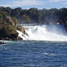 Райнский Водопад   #этожизнь #осень #новаяжизнь #путешествие #октябрь #2016 #travel #october #traveling #reisen #followme #photoart #switzerland #schweiz #швейцария